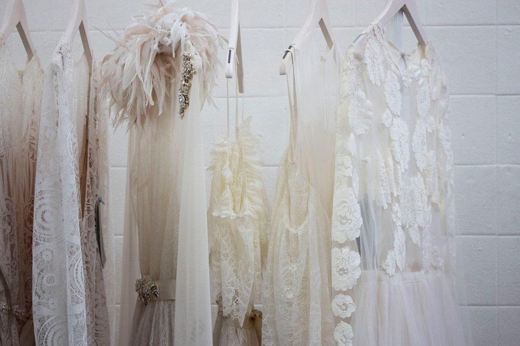 איך לבחור שמלת כלה שמתאימה לך