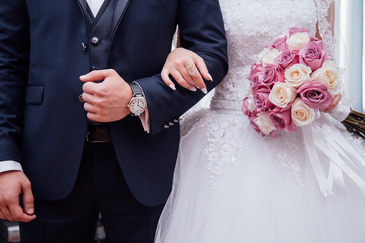 זוג ביום חתונה