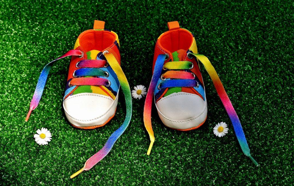 נעליים צבעוניות
