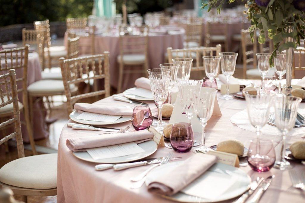 4 דרכים לגרום לחתונה שלכם להיות חתונת השנה